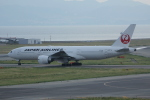 いっとくさんが、関西国際空港で撮影した日本航空 777-246/ERの航空フォト(写真)