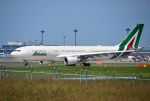 mojioさんが、成田国際空港で撮影したアリタリア航空 A330-202の航空フォト(写真)
