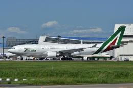 よしポンさんが、成田国際空港で撮影したアリタリア航空 A330-202の航空フォト(写真)