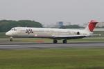 写真集団E235さんが、伊丹空港で撮影した日本航空 MD-81 (DC-9-81)の航空フォト(写真)
