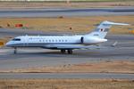 Tomo-Papaさんが、関西国際空港で撮影した国土交通省 航空局 BD-700-1A10 Global Expressの航空フォト(写真)