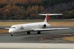 出戻りさんが、熊本空港で撮影したJALエクスプレス MD-81 (DC-9-81)の航空フォト(写真)