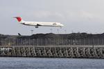hiko_chunenさんが、成田国際空港で撮影した日本航空 MD-81 (DC-9-81)の航空フォト(写真)