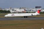 妄想竹さんが、伊丹空港で撮影した日本航空 MD-81 (DC-9-81)の航空フォト(写真)