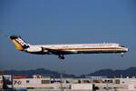 Gambardierさんが、福岡空港で撮影した日本エアシステム MD-81 (DC-9-81)の航空フォト(写真)