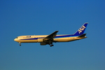SGR RTさんが、羽田空港で撮影した全日空 767-381の航空フォト(写真)