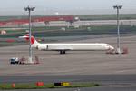 Kinyaさんが、羽田空港で撮影した日本航空 MD-90-30の航空フォト(写真)