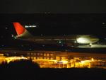 たぁさんが、成田国際空港で撮影した日本航空 747-446の航空フォト(写真)