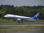 bb212さんが、成田国際空港で撮影した全日空 A320-214の航空フォト(写真)