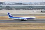 ゆーきさんが、羽田空港で撮影した全日空 767-381の航空フォト(写真)