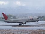 YOSHIRJNKさんが、小松空港で撮影した日本航空 767-246の航空フォト(写真)
