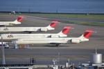 お-そ松さんが、羽田空港で撮影した日本航空 MD-90-30の航空フォト(写真)