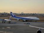 JAA DC-8さんが、伊丹空港で撮影した全日空 747-481の航空フォト(写真)