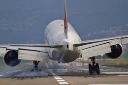 O-TOTOさんが、伊丹空港で撮影した日本航空 777-289の航空フォト(写真)