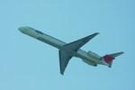 ja007gさんが、羽田空港で撮影した日本航空 MD-81 (DC-9-81)の航空フォト(写真)
