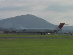 Satoshi さんが、出雲空港で撮影した日本航空 MD-90-30の航空フォト(写真)