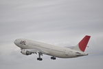 B737-781さんが、秋田空港で撮影した日本航空 A300B4-622Rの航空フォト(写真)