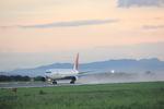 タイ国際航空さんが、熊本空港で撮影した日本航空 767-346の航空フォト(写真)