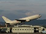 aquaさんが、名古屋飛行場で撮影した航空自衛隊 KC-767J (767-2FK/ER)の航空フォト(写真)