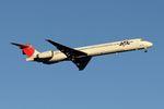 YASKYさんが、羽田空港で撮影した日本航空 MD-90-30の航空フォト(写真)