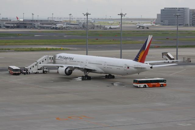 フィリピン航空 Boeing 777-300 RP-C7776 羽田空港  航空フォト | by よしぞうさん