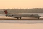 肉食獣さんが、新千歳空港で撮影したJALエクスプレス MD-81 (DC-9-81)の航空フォト(写真)