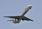 aMigOさんが、羽田空港で撮影した日本航空 MD-81 (DC-9-81)の航空フォト(写真)