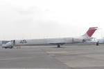 みきてぃさんが、羽田空港で撮影した日本航空 MD-90-30の航空フォト(写真)