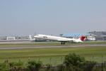 ぷぅぷぅまるさんが、伊丹空港で撮影した日本航空 MD-81 (DC-9-81)の航空フォト(写真)