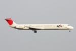 kinsanさんが、羽田空港で撮影した日本航空 MD-81 (DC-9-81)の航空フォト(写真)