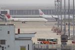 Dra-gonさんが、羽田空港で撮影した日本航空 MD-90-30の航空フォト(写真)
