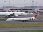 スカイマンタさんが、羽田空港で撮影した日本航空 MD-90-30の航空フォト(写真)