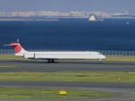 うもつてさかとさんが、羽田空港で撮影した日本航空 MD-90-30の航空フォト(写真)
