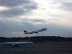 快速ムーンライト川越81号さんが、成田国際空港で撮影した日本航空 747-446の航空フォト(写真)