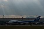 northpower21stさんが、新千歳空港で撮影した全日空 747SR-81の航空フォト(写真)