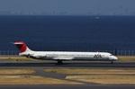 camelliaさんが、羽田空港で撮影した日本航空 MD-81 (DC-9-81)の航空フォト(写真)