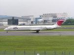 アルコルitmさんが、伊丹空港で撮影した日本航空 MD-81 (DC-9-81)の航空フォト(写真)