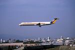 Gambardierさんが、伊丹空港で撮影した東亜国内航空 MD-81 (DC-9-81)の航空フォト(写真)