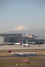 たっつーさんが、羽田空港で撮影した日本航空 MD-90-30の航空フォト(写真)