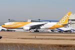 Tomo-Papaさんが、成田国際空港で撮影したスクート 777-212/ERの航空フォト(写真)