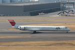 T.Kenさんが、羽田空港で撮影した日本航空 MD-90-30の航空フォト(写真)