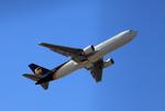 Koenig117さんが、成田国際空港で撮影したUPS航空 767-34AF/ERの航空フォト(写真)