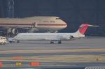 TAGUさんが、羽田空港で撮影した日本航空 MD-90-30の航空フォト(写真)