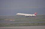 とっちさんが、羽田空港で撮影した日本航空 MD-90-30の航空フォト(写真)