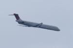 おにYさんが、羽田空港で撮影したデルタ航空 MD-90-30の航空フォト(写真)