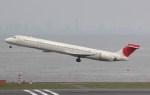 SKY TEAM B-6053さんが、羽田空港で撮影した日本航空 MD-90-30の航空フォト(写真)