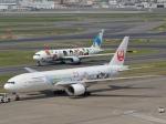 qooさんが、羽田空港で撮影した日本航空 777-246の航空フォト(写真)