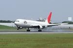 takepapaさんが、伊丹空港で撮影した日本航空 767-346の航空フォト(写真)