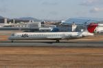 sumihan_2010さんが、伊丹空港で撮影した日本航空 MD-81 (DC-9-81)の航空フォト(写真)