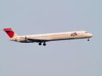 なまくら はげるさんが、羽田空港で撮影した日本航空 MD-90-30の航空フォト(写真)